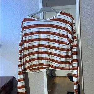 Long sleeve crop top with marrón stripes